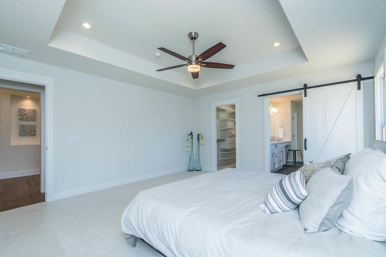 5004 Bud Thompson Ct-large-022-35-Master Bedroom-1500×1000-72dpi