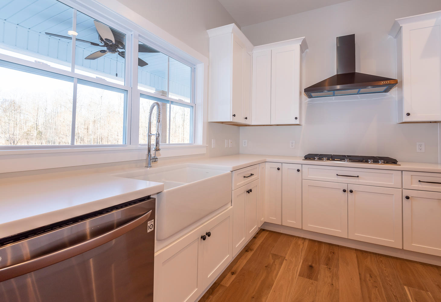 6126 N Tunnel Rd Bloomington-large-008-19-Kitchen-1461×1000-72dpi