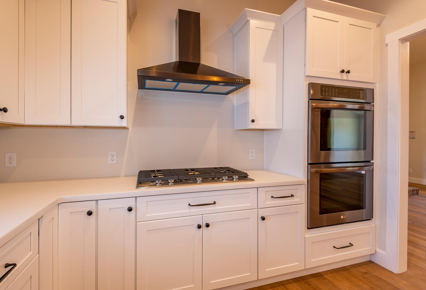 6126 N Tunnel Rd Bloomington-large-009-27-Kitchen-1470×1000-72dpi