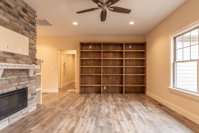 157 W Hilltop Lane Nashville-large-005-90-Living Room-1500×1000-72dpi