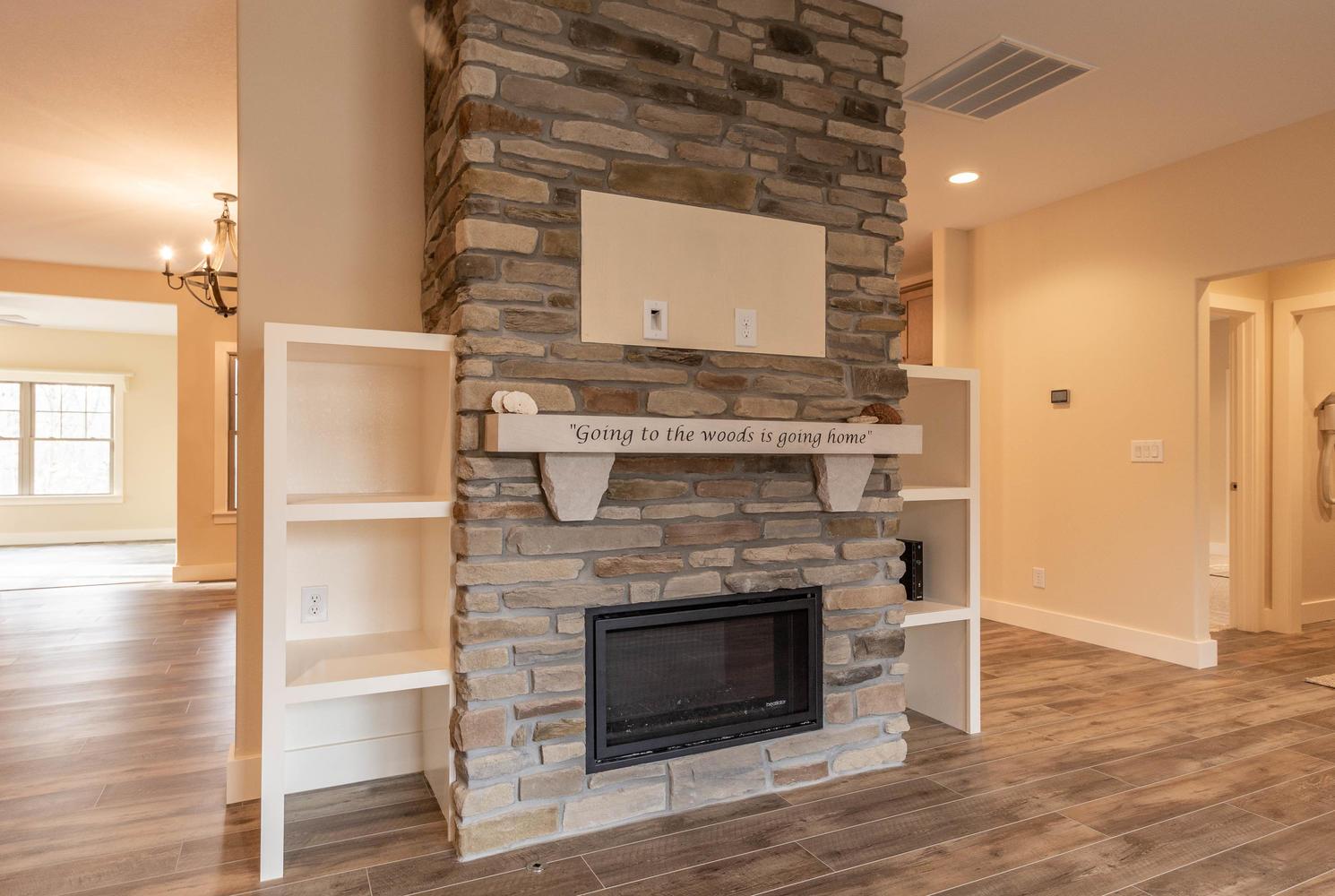 157 W Hilltop Lane Nashville-large-006-111-Living Room-1490×1000-72dpi