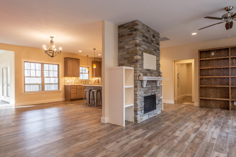 157 W Hilltop Lane Nashville-large-008-114-Living Room-1500×1000-72dpi