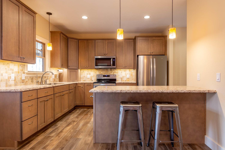 157 W Hilltop Lane Nashville-large-013-89-KitchenBreakfast Bar-1500×1000-72dpi