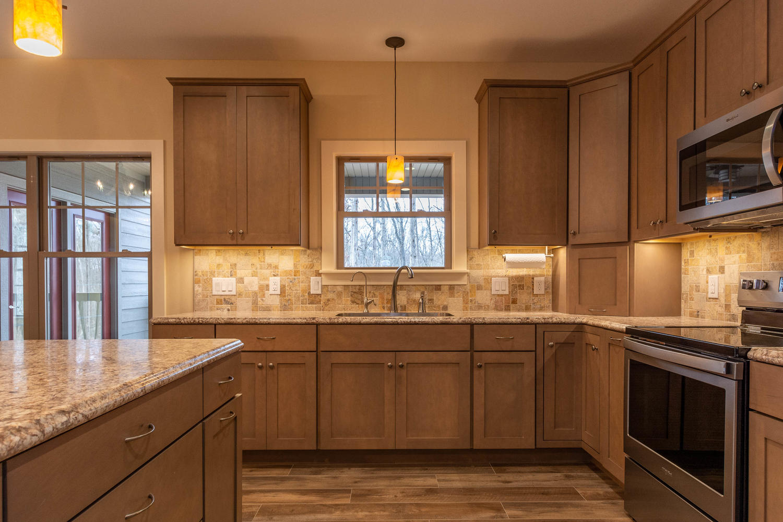157 W Hilltop Lane Nashville-large-015-97-Kitchen-1500×1000-72dpi