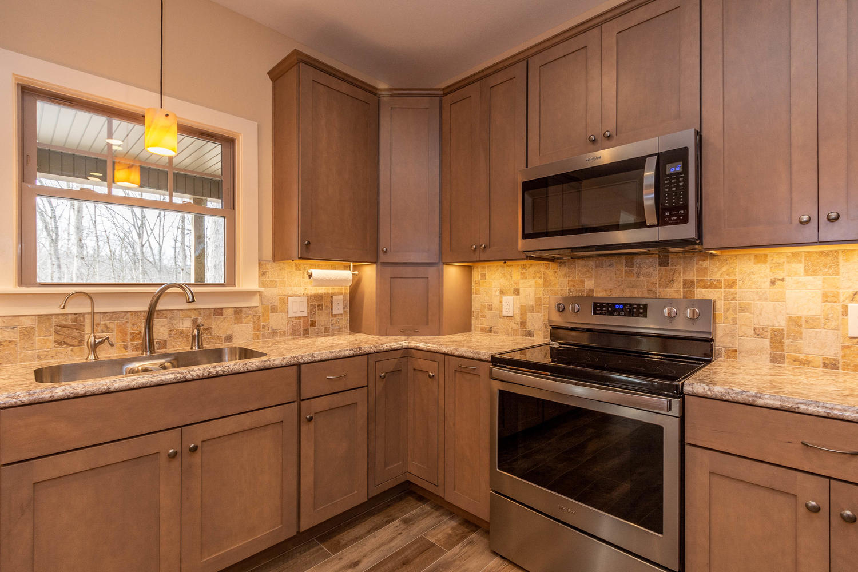 157 W Hilltop Lane Nashville-large-016-96-Kitchen-1500×1000-72dpi
