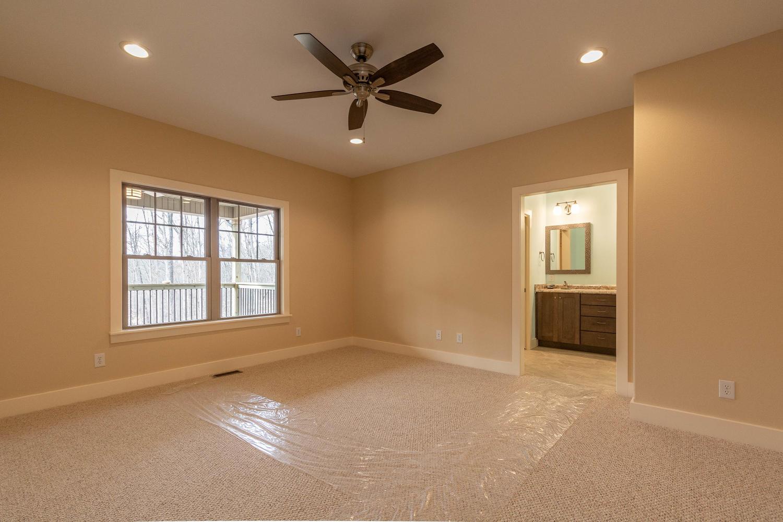 157 W Hilltop Lane Nashville-large-025-115-Master Bedroom-1500×1000-72dpi