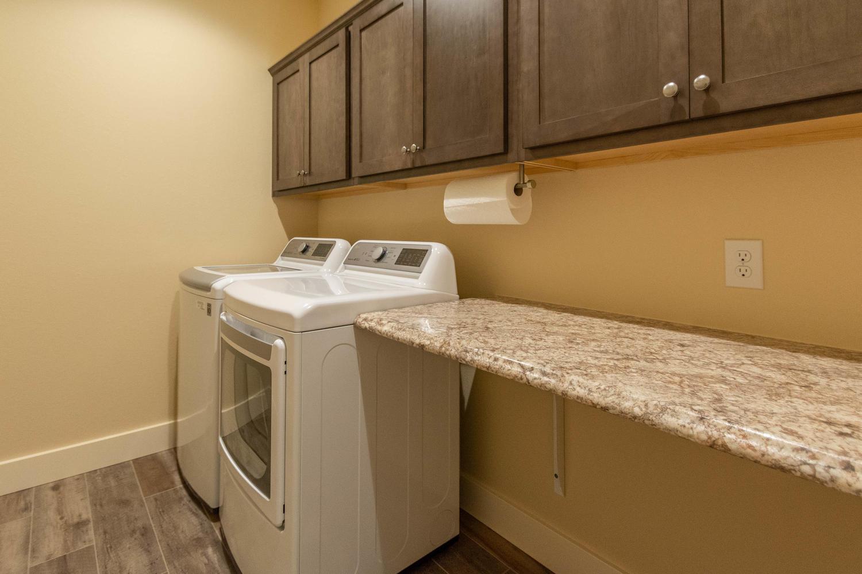 157 W Hilltop Lane Nashville-large-041-108-Laundry Room-1500×1000-72dpi