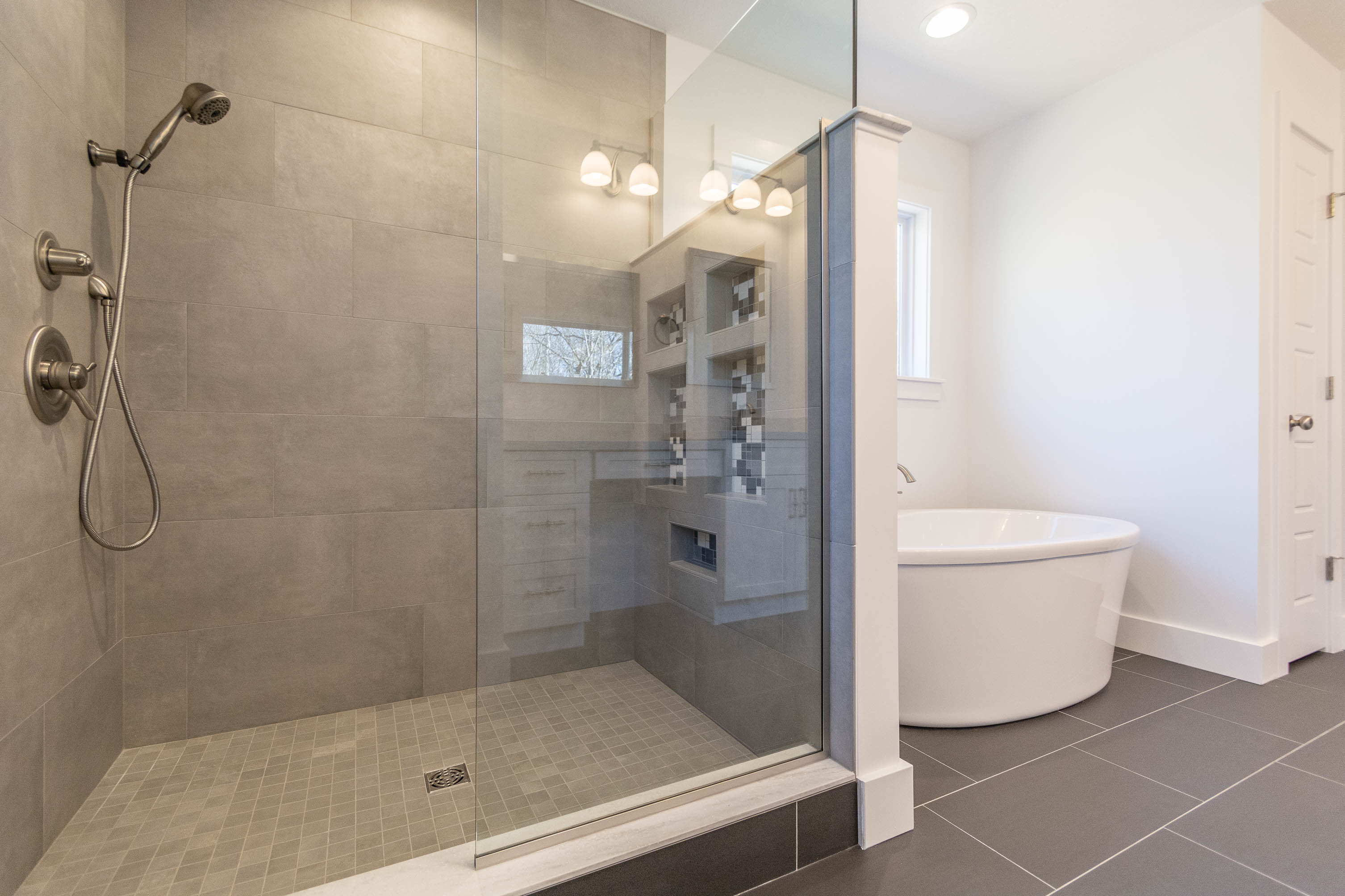 1934 N Cornerstone Way-print-022-45-Master Bath-3012×2008-300dpi
