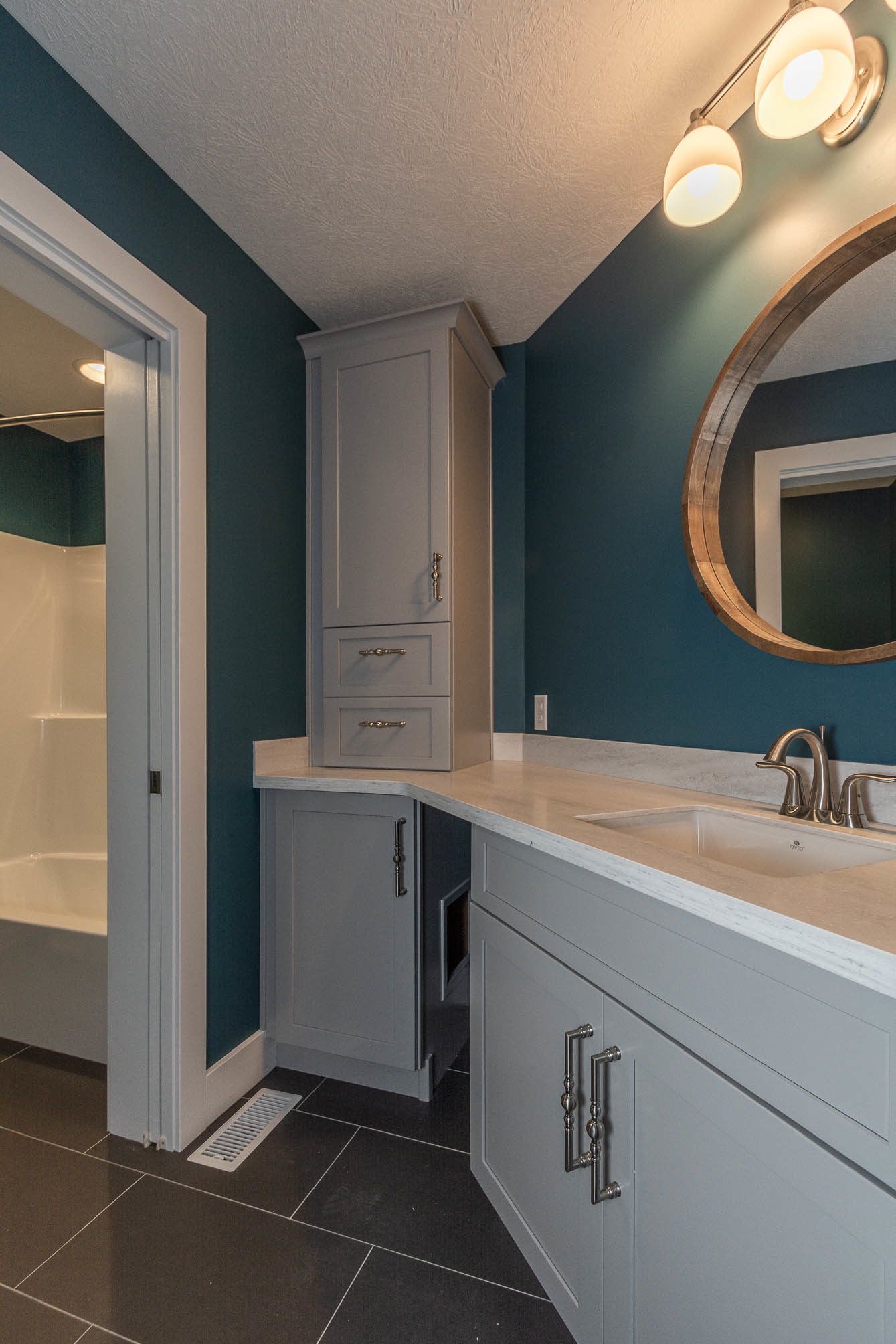 1934 N Cornerstone Way-print-033-1-Bathroom-1339×2008-300dpi